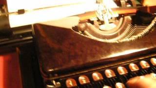 EXPRESS special bakelite TYPEWRITER 1950s 001