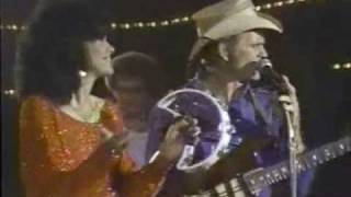 Jerry Reed & Marilyn McCoo sing A Thing Called Love, When You