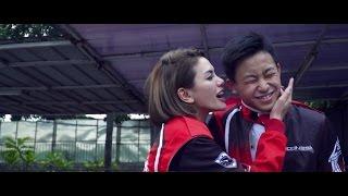 Download Video Kalah, Nikita Mirzani Cium Berondong!!! MP3 3GP MP4