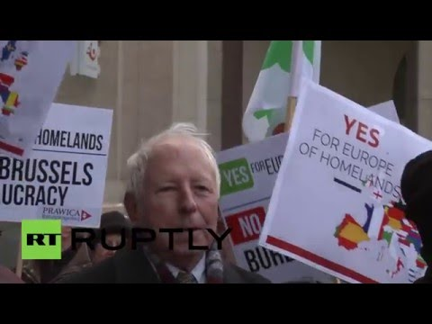 Poland: Protesters decry alleged EU intervention in domestic policy-making
