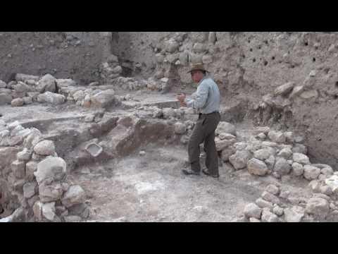 Aren Maeir describing evidence of 8th cent. BCE earthquake at Tell es-Safi/Gath, Israel