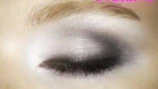 Универсальный вечерний макияж глаз, видео-инструкция(Видео-урок по макияжу глаз, в котором расматривается вечерний макияж глаз, выполненный в универсальных..., 2013-07-29T15:47:44.000Z)