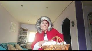 Los chistes y disfraces de la señorita Cruz | Caperucita Roja