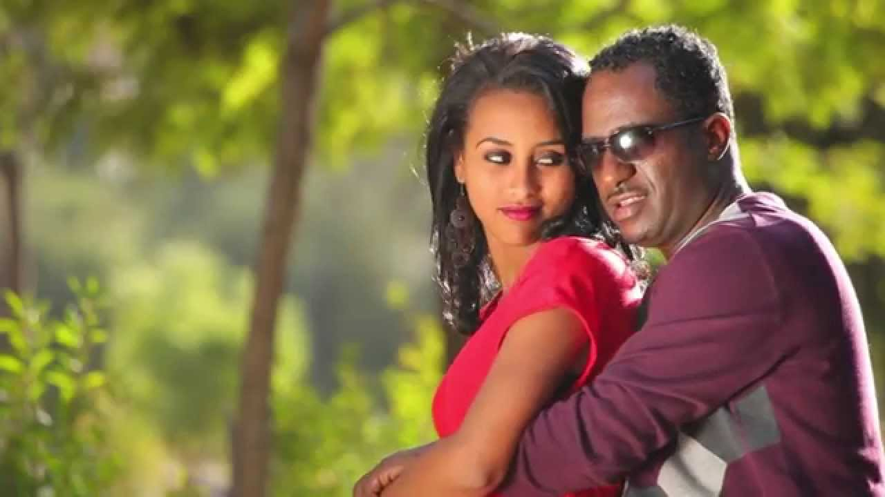Mesfin Zeberga(Ras Mesfin)-Gena Ewodishalehu(Official Amharic Love Music video 2015)