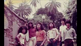 bercinta di pantai - black dog bone