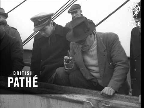 Ships Unloading (1946)