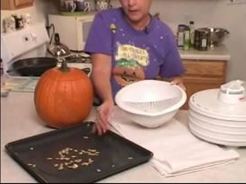 How to Roast Pumpkin Seeds : How to Dry Pumpkin Seeds