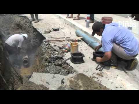 Reparaci n de tuber a de agua rota en la parroquia urbana - Tuberia de agua ...