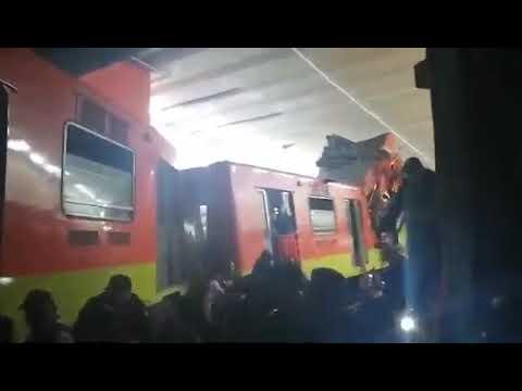 Choque De Trenes En Metro Tacubaya De La Ciudad De Mexico