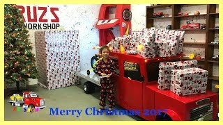 Christmas Morning 2017 Opening Presents/Gifts From Santa with the SURPRISE TOY Project! - Stafaband