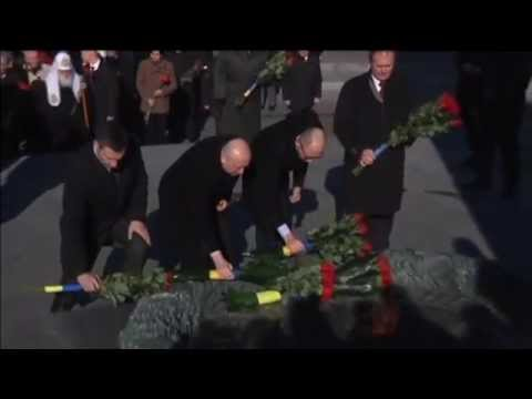 Ukraine Marks Liberation from Nazis: President Poroshenko leads WWII anniversary memorial events