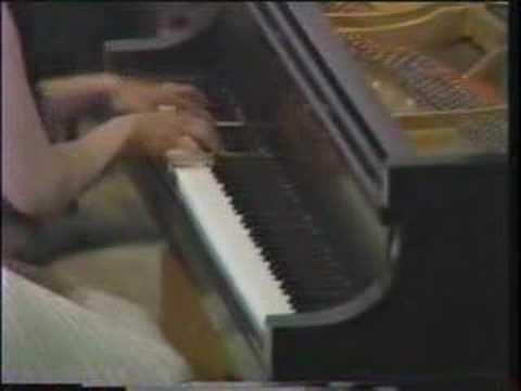 Tchaikowsky - Piano Concerto no. 1 (Cecile Licad) 2/4