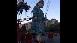 Royal de Luxe - La danse de la Grand-mère