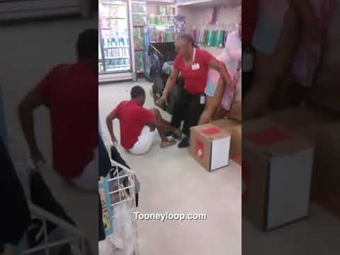 Fight Breaks Out In Family Dollar