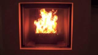 Houtpellets in haard of kachel branden