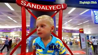 Baby with Familly Go Shopping - Kayleigh Kirk