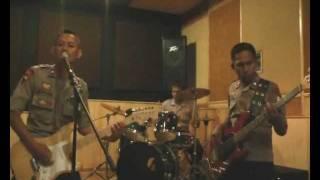Brimob Anggrek Band - Penjahat Wanita