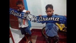 Video Chants AREMANIA - TAK AKAN PERNAH MATI (AREMA INDONESIA) download MP3, 3GP, MP4, WEBM, AVI, FLV Februari 2018