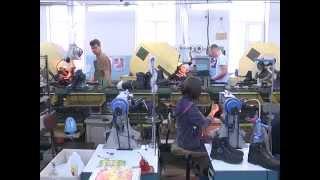 Виктор Прит дает интервью на Запорожской обувной фабрике