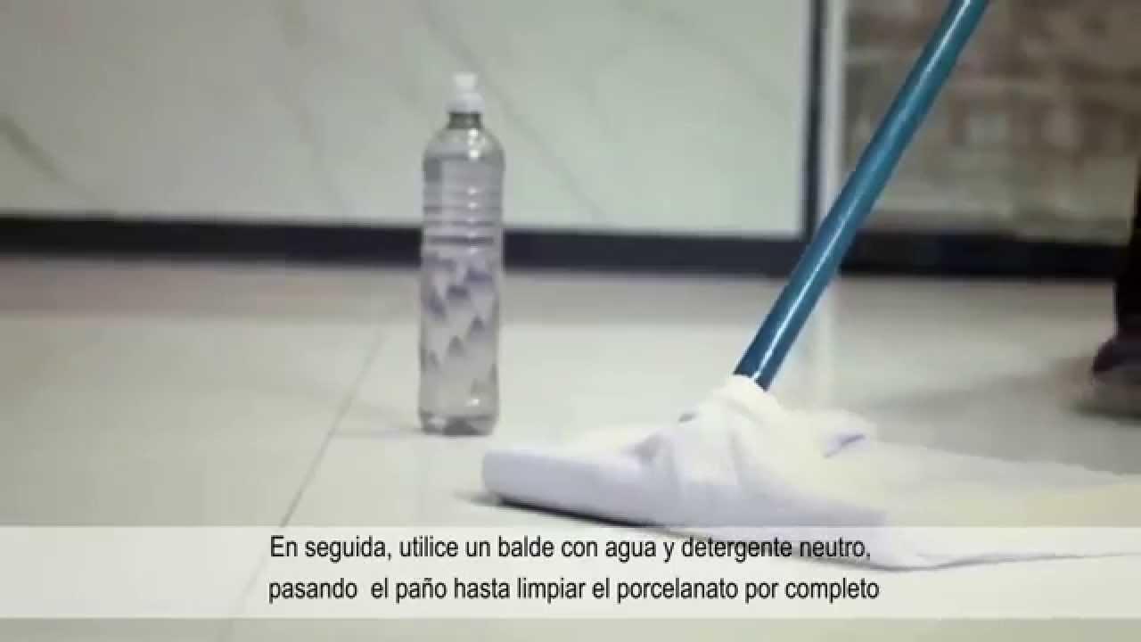 Cer mica portinari explica como hacer la limpieza diaria - Como limpiar piso negro ...