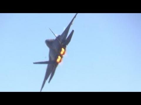 2014 CALIFORNIA CAPITAL AIR SHOW (Fri. Rehearsal) F-22 RAPTOR DEMO