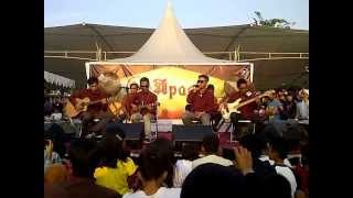Download lagu Five Minutes - Ampuni Aku Live Bekasi