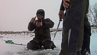 РЫБА ОЖИЛА и едва не унесла удочку с собой! Зимняя рыбалка с вибами на судака.