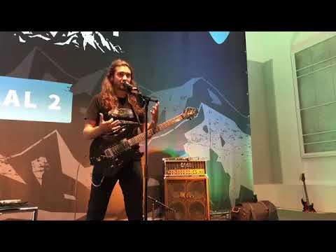 Victor Smolski Workshop @ Guitar Summit: Unverkrampft bei Vollgas!