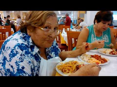 comiendo el primer día en Hotel Fuengirola Park