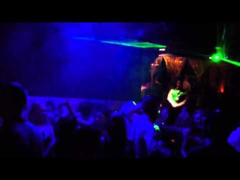 Mint Luxury Nightclub Aberdeen - confetti cannon
