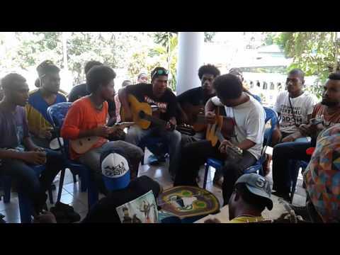 Musisi dan lagu tradisional selalu menjadi bagian dalam pembayaran mas kawin adat Biak Numfor