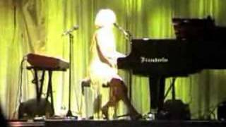 Tori Amos Live in Rome - 04- Secret Spell