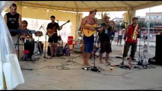 Pistoleros de la Paz - Cositas buenas ( Live at Masnou , Barcelona 22/08/10)