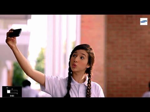 สาวมัธยมถ่ายเซลฟี่มุมเป๊ะด้วย Galaxy Ace 4