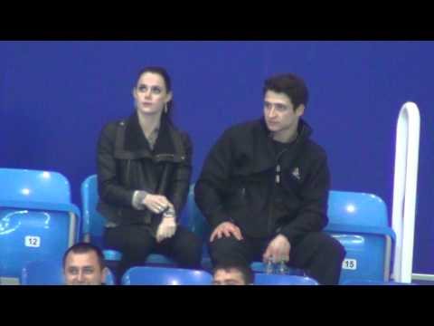 FGP Sochi 2012 Tessa VIRTUE / Scott MOIR at tribune (1)