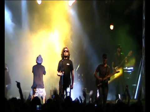 """""""NON GRADISCO"""" Casapulla 28-05-10 FABRIZIO MORO v12 LIVE"""