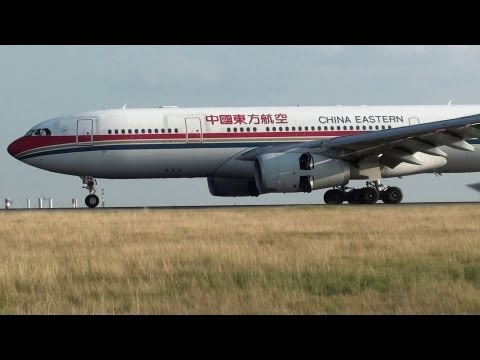 China Eastern Airlines A330-200 landing 09L at Paris Roissy [CDG/LFPG]