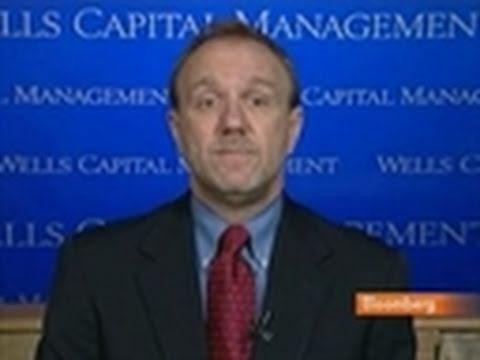 Paulsen Says Weak Dollar May Help Narrow Trade Deficit