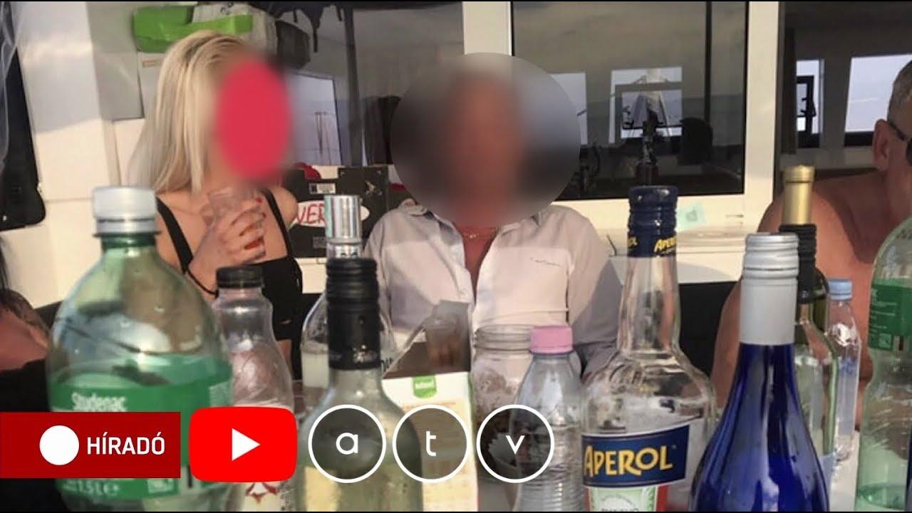 zsarolták be a szexvideóba www fekete kakas szex