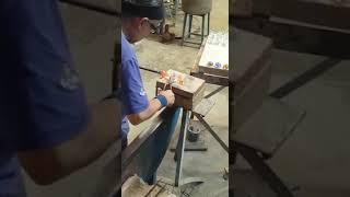 طريقة صنع التذكارات الزجاجيه في اسبانيا
