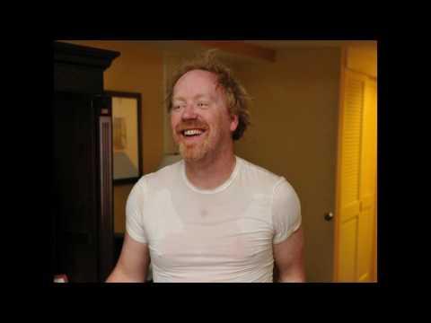 Видео, Adam Savage - Cosplay In a Nutshell