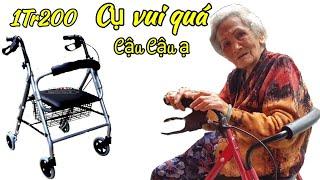 Cụ bà 96 tuổi cảm động chảy nước mắt trước món quà ý nghĩa của Việt kiều tặng | saigon travel Guide