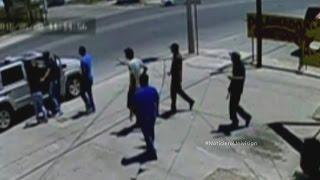 Cámara de seguridad capta atentado a un alto funcionario de la policía mexicana