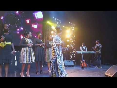 Download Lifting Worship by Sola Allyson