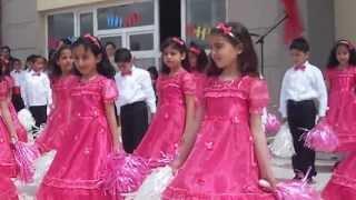 2. sınıflar 23 nisan dans gösterisi Hüsnü M. Özyeğin İlkokulu Doğubeyazıt Ağrı