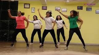 Suno Gaur Se Duniya Walo Zumba choreography by Geeta | Republic Day Special Live Class