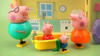 Домик Свинки Пеппы. Весёлое видео про игрушечный домик с семьёй Peppa Pig(Семья свинки Пеппы (Peppa Pig) очень дружная и весёлая! Давайте загляним к ним в гости и подробно рассмотрим..., 2015-01-28T06:00:02.000Z)