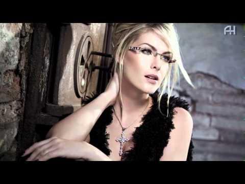 Ana Hickmann - Conceito - GO Eyewear - 2012 - YouTube d037505c73