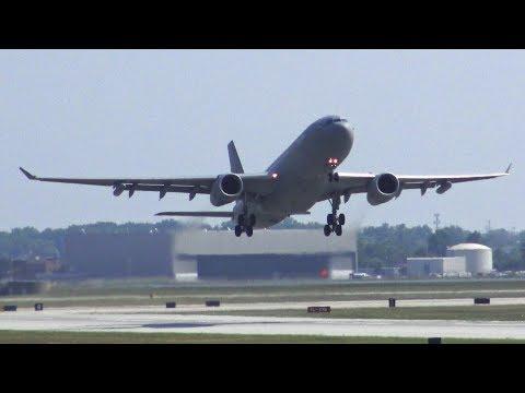 (4K) Amazing Plane Spotting at Detroit Metro Airport