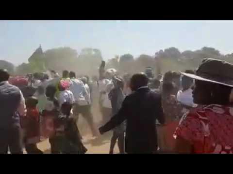 BREAKING NEWS   Mujuru Invades Binga